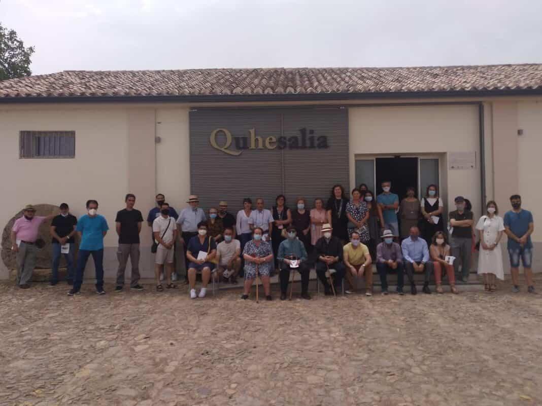 Visita guiada con la familias que han colaborado con Quhesalia 1