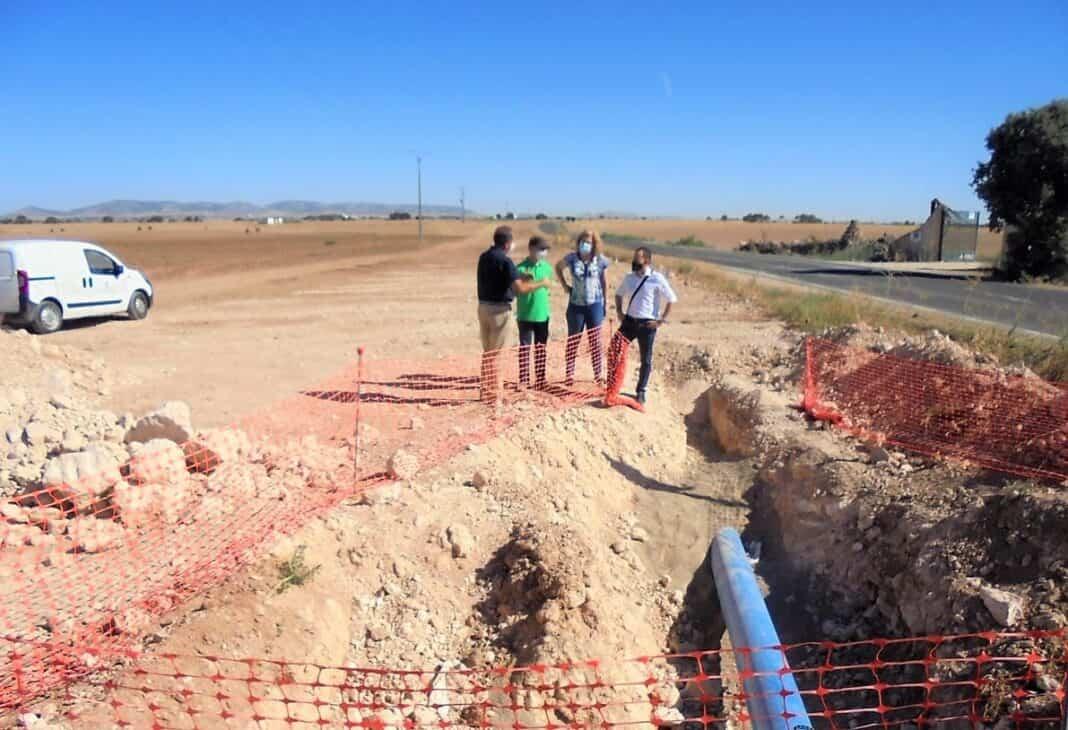 Renovado más de 500 metros de la conducción que abastece de agua a Herencia desde el pozo Palancas 4