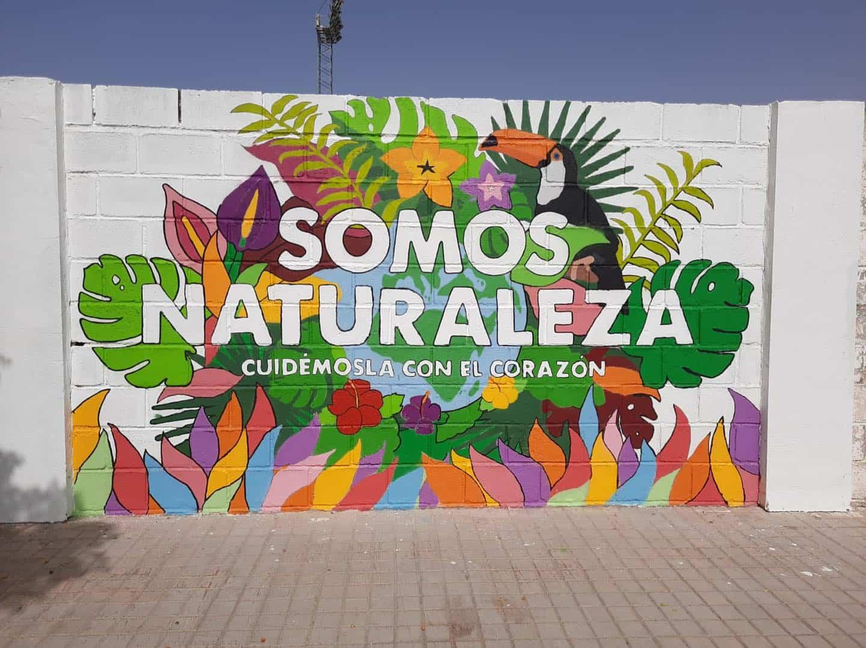 """Arte Mural en Herencia: """"Somos naturaleza, cuidemos con el corazón"""" 3"""