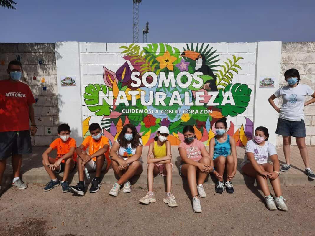 """Arte Mural en Herencia: """"Somos naturaleza, cuidemos con el corazón"""" 4"""