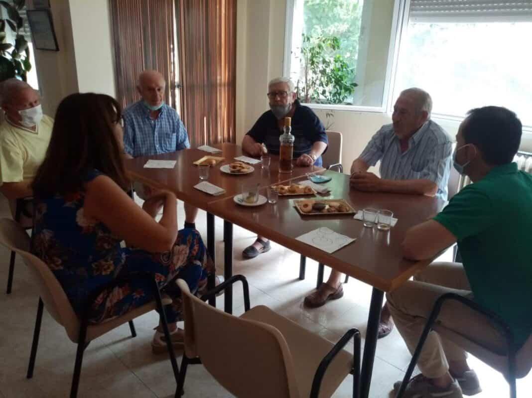 Encuentro del Ayuntamiento con el Consejo de Mayores de Herencia 1
