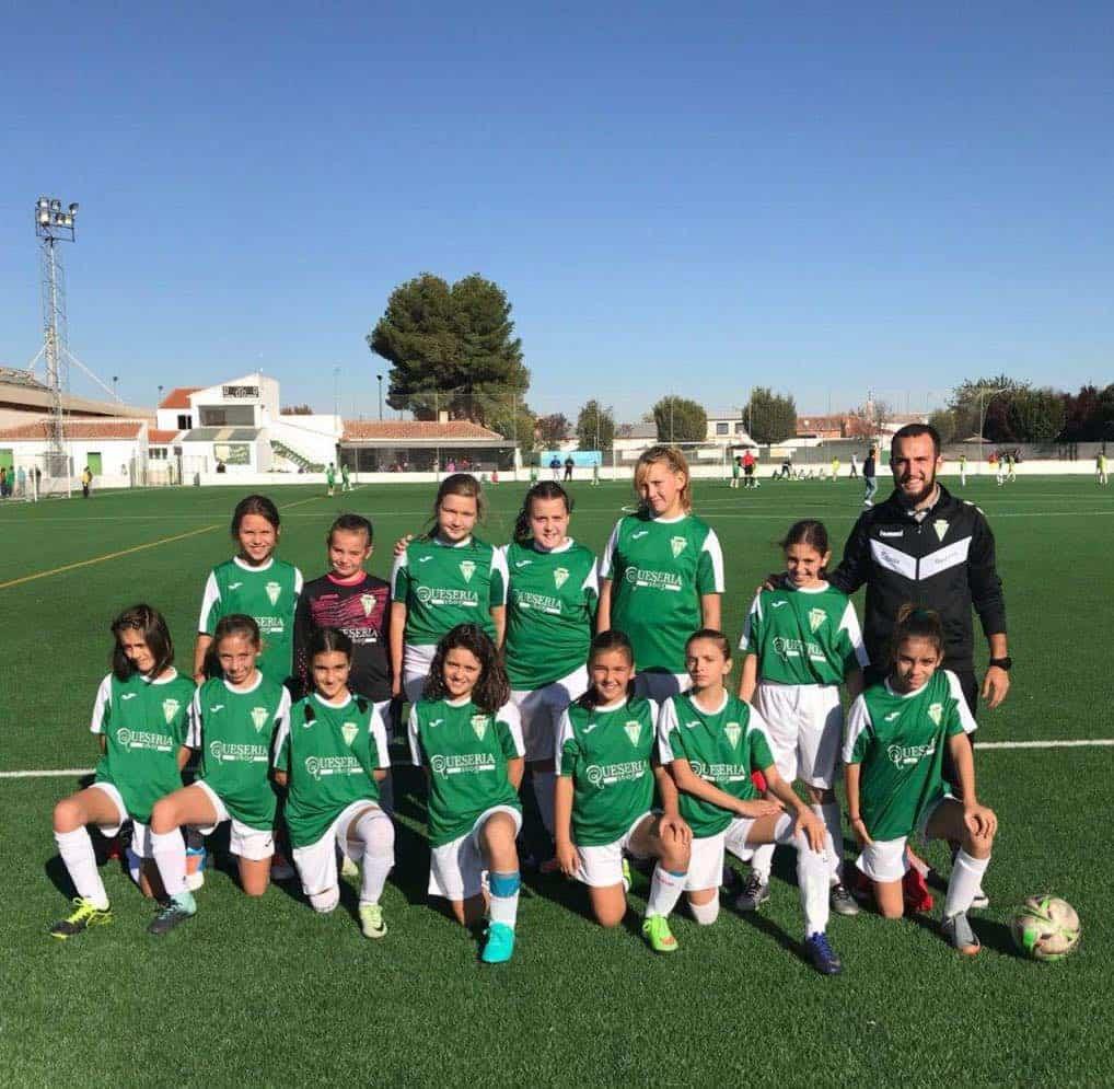 Jornada de puertas abiertas para chicas que quiera jugar en equipo de fútbol femenino 1