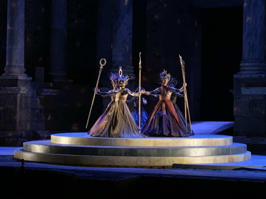 El vestuario de Rafael Garrigós, vuelve a brillar sobre el teatro romano de Mérida 43