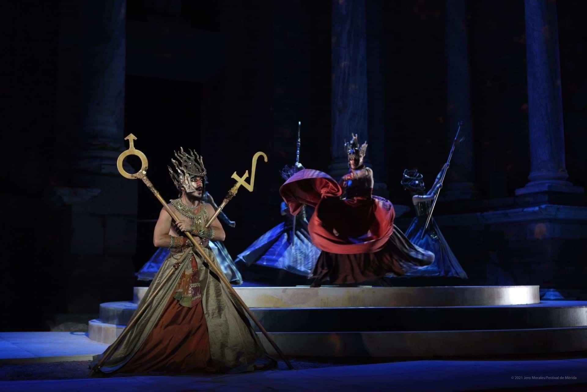 El vestuario de Rafael Garrigós, vuelve a brillar sobre el teatro romano de Mérida 33