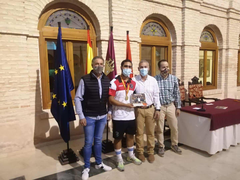 Recepción a los deportistas con medalla en el Campeonato de España de Balonmano Playa 27