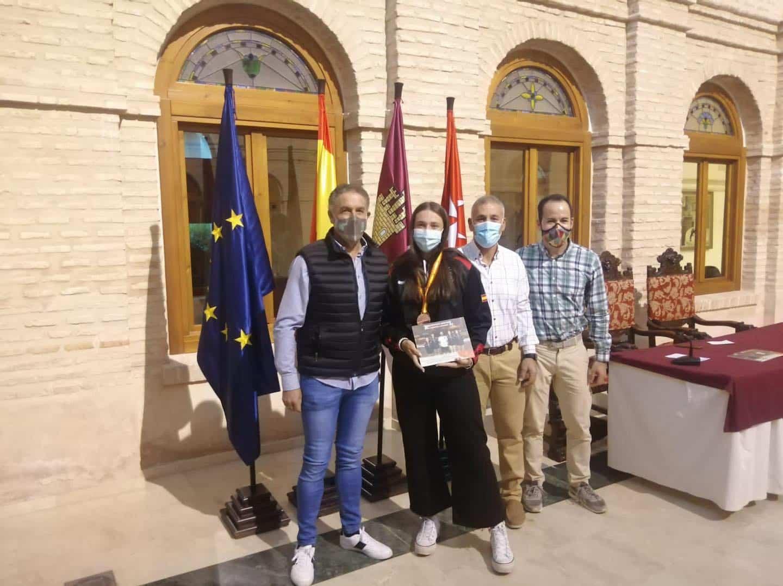 Recepción a los deportistas con medalla en el Campeonato de España de Balonmano Playa 26