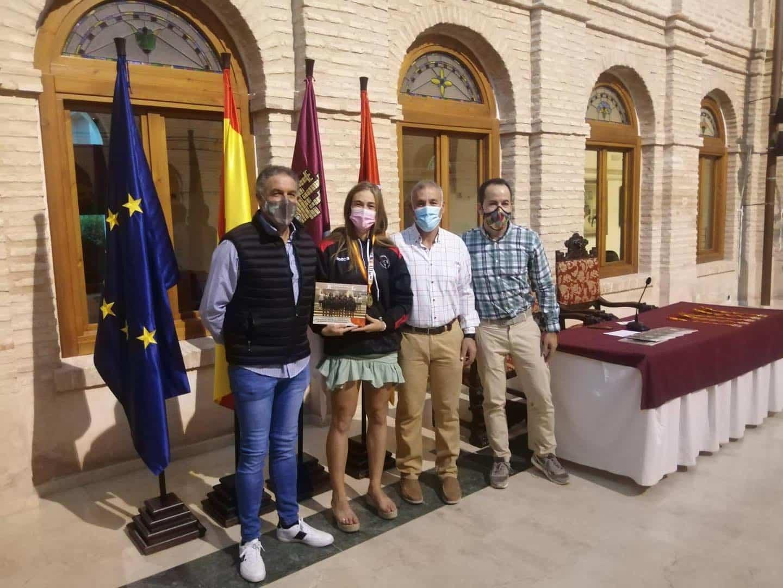 Recepción a los deportistas con medalla en el Campeonato de España de Balonmano Playa 23